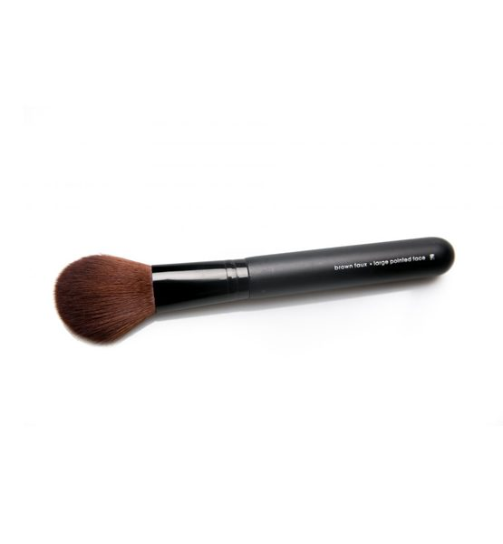 LARGE POINTED FACE BRUSH 2 - trim and prissy cosmetics